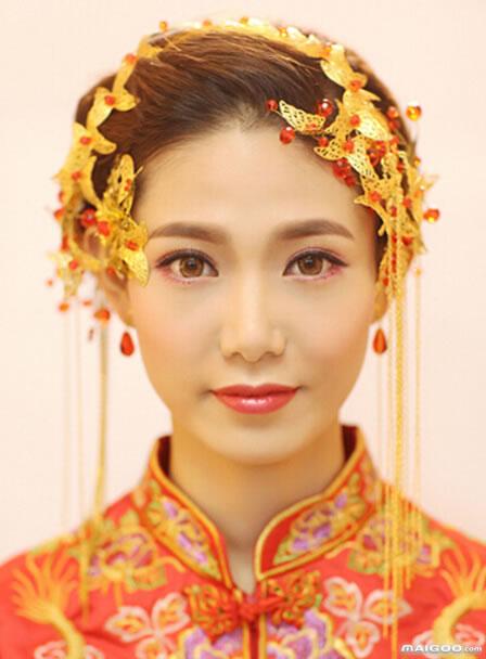 中式新娘发型图片 中式新娘发型教程 中式新娘发型详细步骤图片