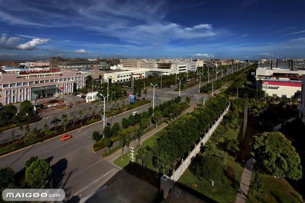 龙湾区府和龙湾中学附近,公交的 西安市目前的经济架构称为:四区图片