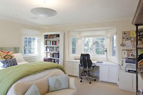 飘窗书桌装修效果图欣赏-飘窗改书桌怎么设计 飘窗效果图图片